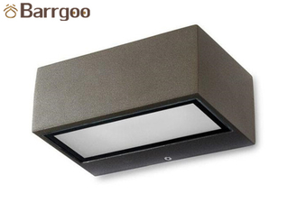 China Rectangular Exterior Up Down Led Wall Light Ip65 Minimalist E27 Base CE ROHS Marked supplier